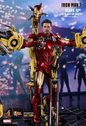 The Mark IV with Suit-Up Gantry - Iron Man 2 - Diecast - Hot Toy