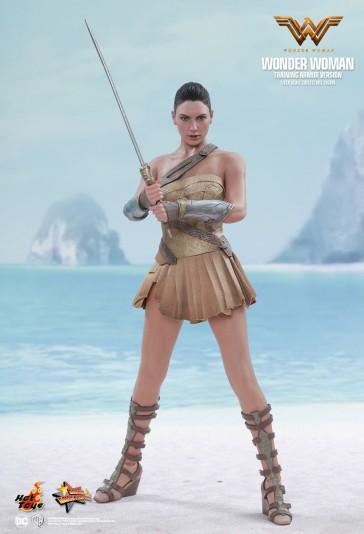 Wonder Woman - Training Armor Version - Hot Toys