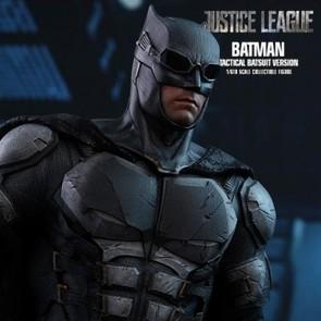 Batman Tactical Batsuit Version - Justice League - Hot Toys