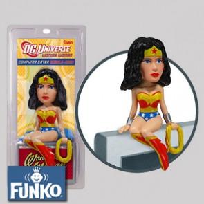 Wonder Woman - Computer Sitter