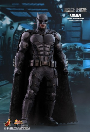 Batman Tactical Batsuit Version - Justice League - Hot Toys