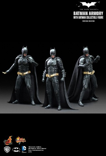 Hot Toys - Batman Amory with Batman
