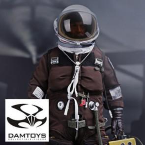 SR-71 Black Bird Flight Test Engineer - Damtoys