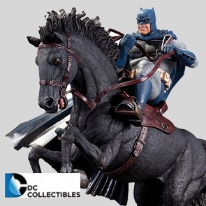 DC Collectibles - The Dark Knight Returns - A Call to Arms - Mini Battle Statue