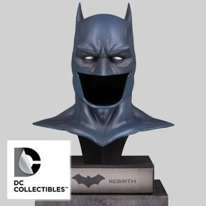 DC Gallery Bust - 1/2 Rebirth Batman Cowl - DC Collectibles
