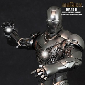 Iron Man Mark II Armor Unleashed Version - Hot Toys