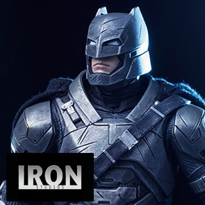 Armored Batman - Batman vs Superman - Iron Studios